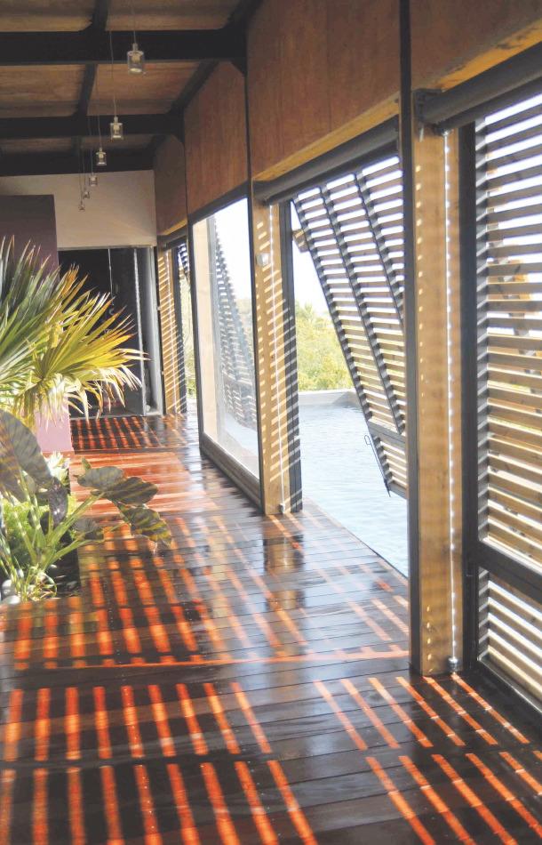les architectes mettent le feu la nouvelle surface de plancher architectures. Black Bedroom Furniture Sets. Home Design Ideas