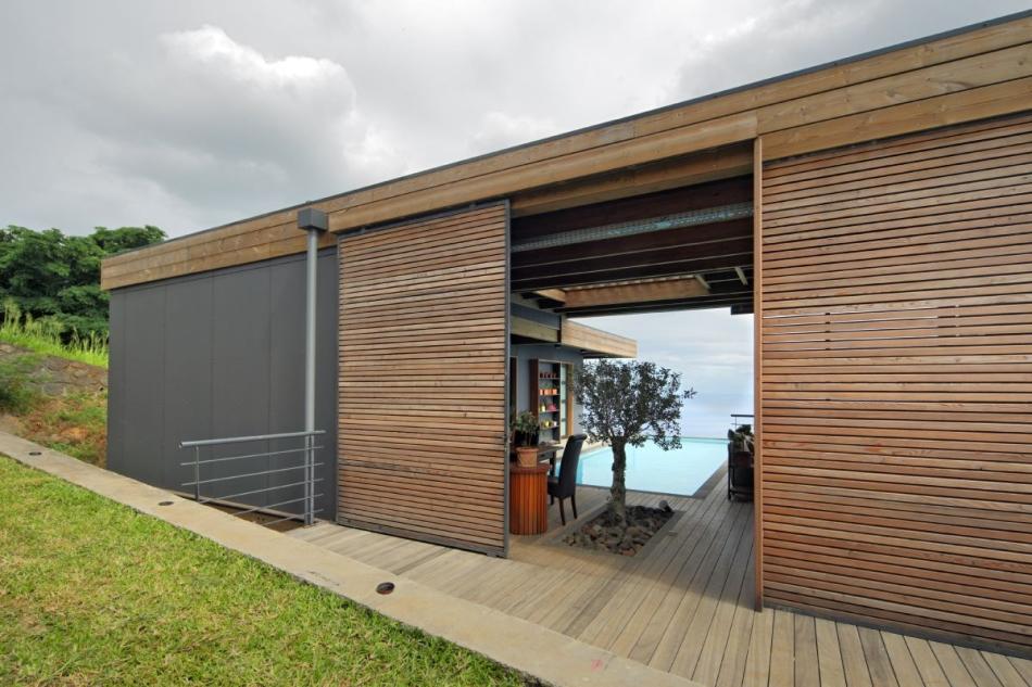 Villa sur pattes architectures la r union for Container reunion prix