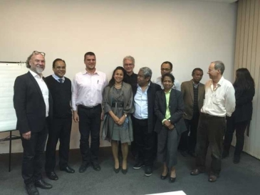 Photo de groupe avec nos confrères architectes de Madagascar