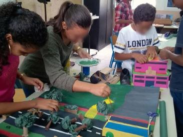Action menée autour de l'opération de renouvellement urbain du centre-ville de Saint-André avec le collège Joseph-Bédier (photo CAUE)